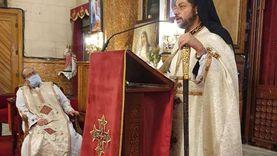 نائب بطريرك الكاثوليك يزور كنيسة قلب يسوع بمصر الجديدة