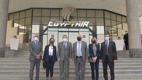 رئيس «مصر للطيران» يناقش مع «تفاحة» تحديات القطاع وسبل التعاون