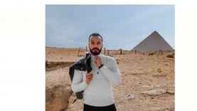 تامر مجدي يحتفل بـ«ورق التوت» بـ«فوتوسيشن» في الأهرامات