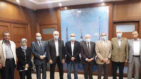 محافظ بورسعيد يبحث استكمال المرحلة الثانية من مشروعات الصرف