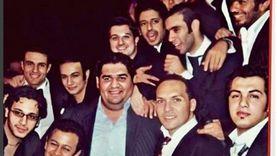"""الشامي ينشر صورته مع """"دستة نجوم"""": """"اللي هيعرفهم كلهم له جايزة"""""""