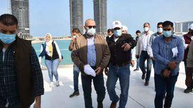 وزير الإسكان يتجول بمنطقة الأبراج الشاطئية والمشروعات السكنية بالعلمين الجديدة