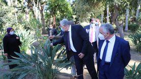 وزير الزراعة يتفقد حديقة «الزهرية» بالزمالك ويوجه بتطويرها (صور)