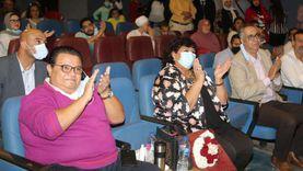"""وزيرة الثقافة تشهد """"أفراح القبة"""" على المسرح العائم الصغير بالمنيل"""