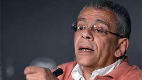 يسري نصرالله يطالب الفنانين بعدم «الصمت» تجاه إهانتهم من نائب برلماني