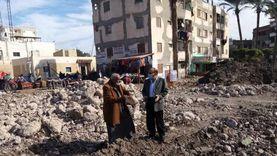 إزالة 3 عمارات آيلة للسقوط في كفر سعد بدمياط