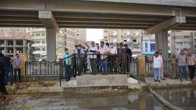 محافظ الجيزة يتابع أعمال إصلاح كسر مفاجئ بخط المياه بطريق المريوطية