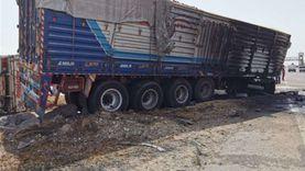 انقلاب سيارة نقل مواد غذائية على طريق الإسكندرية الزراعي