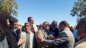 قيادات أسيوط تشارك في تشييع جنازة ضحايا حادث الكريمات