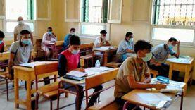 ضبط 3 حالات غش بامتحان الديناميكا للثانوية بينها حيازة «سماعة» و«ساعة»