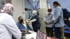 رئيس جامعة أسوان يطلق حملة تطعيم الأطقم الطبية بلقاح كورونا