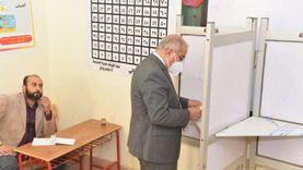 """رئيس جامعة أسيوط ونوابه يدلون بأصواتهم في """"إعادة النواب"""""""