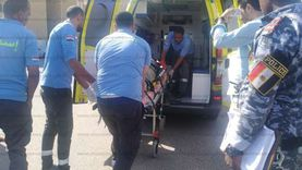 مصرع طفل صدمه والده بسيارة أثناء رجوعه للخلف بسوهاج