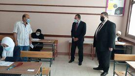محافظ شمال سيناء يتفقد امتحانات الثانوية الأزهرية والدبلومات الفنية