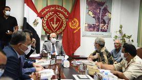 محافظ بورسعيد يطمئن على سير انتخاباب الشيوخ من داخل غرفة العمليات