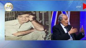 """عزت العلايلي: """"أنا وحسين فهمي كنا بناخد اللي بيقع من محمود ياسين"""""""