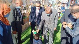 محافظ كفر الشيخ يوزع فوانيس رمضان على الأطفال بدور رعاية الأيتام