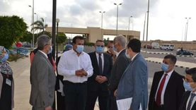 وزير التعليم العالي يتفقد مستشفى برج العرب الجامعي لعلاج سرطان الأطفال