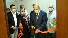 """افتتاح أعمال تطوير مكتبة التربية الفنية ومعرض """"رؤية"""" بجامعة المنيا"""