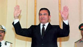 توزيع مصاحف وزيارة مدفنه وعمرة: «محبو مبارك» يحيون ذكرى رحيله الأولى