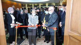 وزيرة الثقافة ومحافظ بورسعيد يفتتحان قاعة «فايزة أبو النجا»