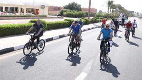 سباق دراجات بين عدد من الوزراء والسفراء.. وسفير الكاميرون يتفوق
