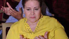 حقيقة وفاة دلال عبدالعزيز.. أسرتها تهاجم مروجي الشائعة و4 فنانين صدقوا