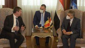 رئيس هيئة قناة السويس يبحث سبل التعاون المشترك مع سفير بلجيكا
