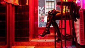 ضبط سيدة لاتهامها بالترويج لممارسة الدعارة عبر الإنترنت