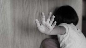 تأجيل قضية هتك عرض طفلة على يد خالها في 15 مايو