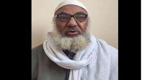 محفظ قرآن بالشرقية يتهم ابنه بسرقة أملاكه: طردني أنا واخواته «فيديو»