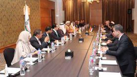 العسومي يستقبل رئيس مجلس النواب العراقي بمقر البرلمان العربي بالقاهرة