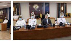 وزير الداخلية يتابع إجراءات تأمين الانتخابات من غرفة العمليات الرئيسية بقطاع الأمن