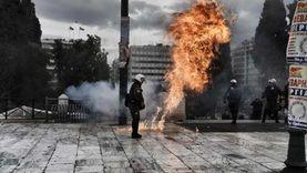 عاجل.. هجوم 20 ملثما على قسم شرطة شرقي أثينا بالقنابل والحجارة