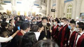 البابا تواضروس يصل الإسكندرية لتكريم المتفوقين.. واستقباله بممر شرفي