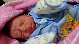 «طبيب الصف المزيف»: فتح مراكز طبية وأجرى عمليات ولادة لأكثر من 50 سيدة خلال 5 سنوات