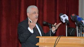 """تباين آراء أولياء الأمور حول قرار الوزارة """"مفيش حصص"""" للمواد الأساسية"""