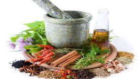 منها «البيرجاموت».. طبيب يكشف عن أعشاب تقي وتسرع الشفاء من كورونا