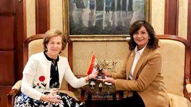 وزيرة الهجرة تشكر سيدة أعمال مصرية يونانية تبرعت بـ20 ألف يورو لدعم «حياة كريمة»