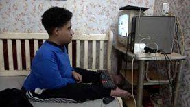 الربح من الإنترنت .. وسيلة عبدالرحمن للتغلب على الإعاقة