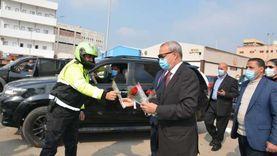 القليوبية تحتفل بعيد الشرطة ومواطنون يلتقطون الصور التذكارية مع الضباط