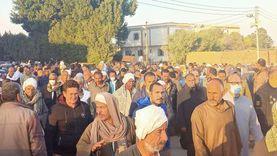 آلاف يشيعون جثمان سعيد شعيب عميد نواب الإسماعيلية «صور»