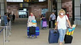 مطار الغردقة يستقبل رحلة طيران جديدة تقل 137 سائحا سويسريا