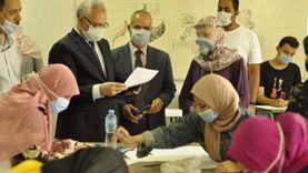 """رئيس جامعة المنيا يتفقد اختبار القدرات في """"فنون جميلة"""""""