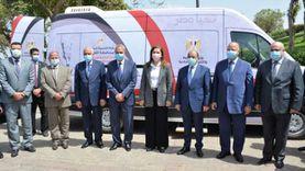 وزارة التخطيط تسلم الدفعة الأولى لسيارات المراكز التكنولوجية المتنقلة