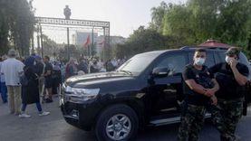 راشد الغنوشي يشرف على اجتماع مكتب البرلمان عن بعد من سيارته