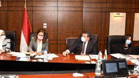 3 وزراء يناقشون مع القومي للمرأة خطة الحكومة لتنظيم الأسرة
