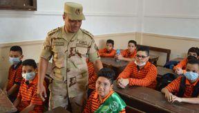 القوات المسلحة تنظم زيارات لمرافقة أبناء الشهداء ومصابي العمليات للمدارس