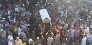 أهالي قرية بالبحيرة يشيعون جثمان شيخ صوفي بالمزمار والطبل البلدي