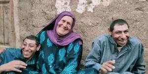 الأم المثالية بالبحر الأحمر.. لديها 5 أبناء مؤهلات عليا بمعاش 145 جنيها